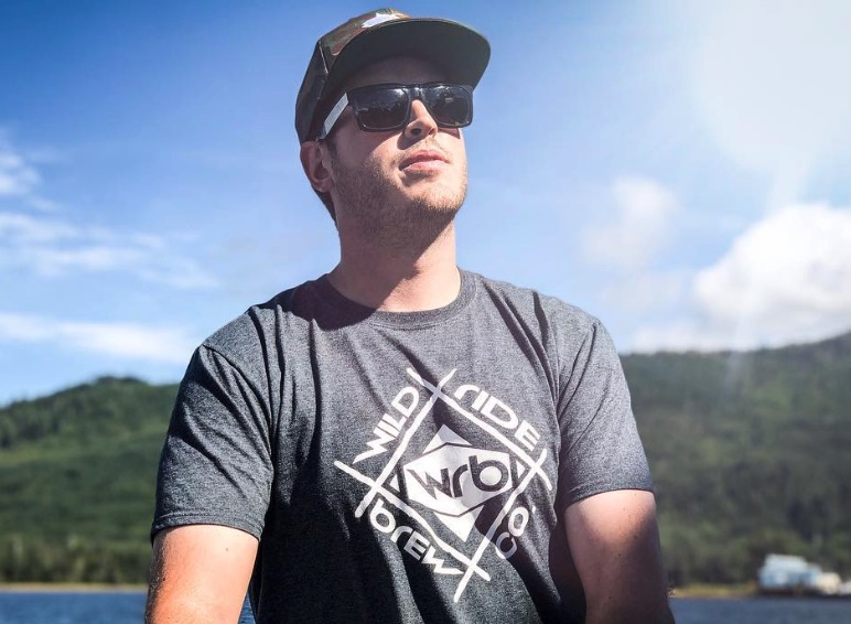 Sean Dwyer, Deadliest Catch-https://www.instagram.com/p/Bmo37cXloQr/