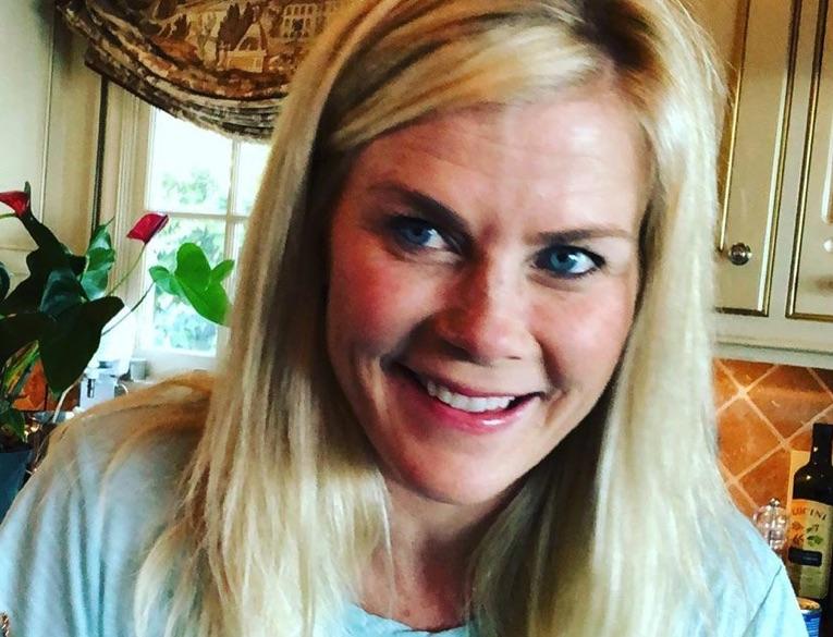 Alison Sweeney, Chronicle Mysteries, Hallmark-https://www.instagram.com/p/B0mgZ3Cn7lP/