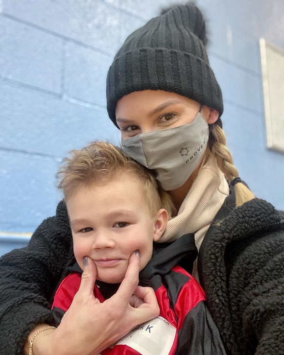 meghan king edmonds & son instagram selfie