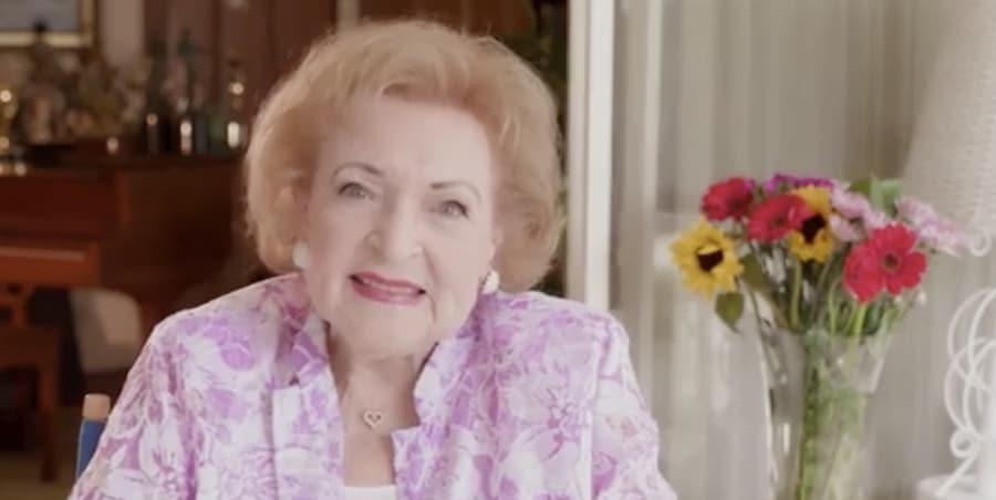 Lifetime, Betty White-https://www.instagram.com/p/Bmv9INHgvA6/