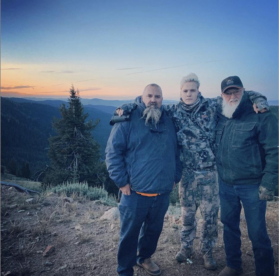 Todd Hoffman, Hunter Hoffman, Jack Hoffman, Discovery, Gold Rush-https://www.instagram.com/p/B1kFfAsj_VE/