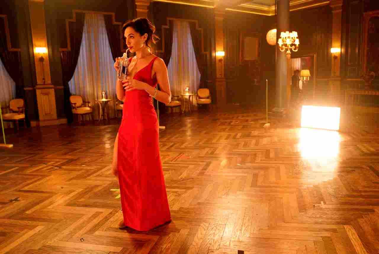 Gal Gadot stars in the Netflix Original film Red Notice