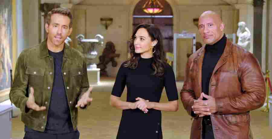 Netflix: Ryan Reynolds, Gal Gadot & Dwayne 'The Rock' Johnson in Red Notice